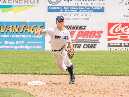 Connecticut Bombers' shortstop Matt Soloman throws