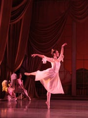 "BalletMet Columbus brings Tchaikovsky's ""Nutcracker"" to the Detroit Opera House this weekend and next."