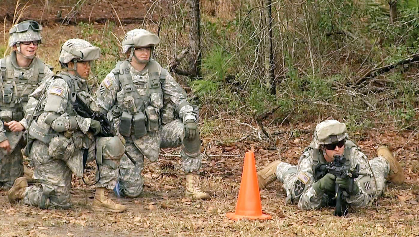 women allowed into combat Debate whether or not women should be allowed in combat voice your opinion and learn more about each side of the debate.