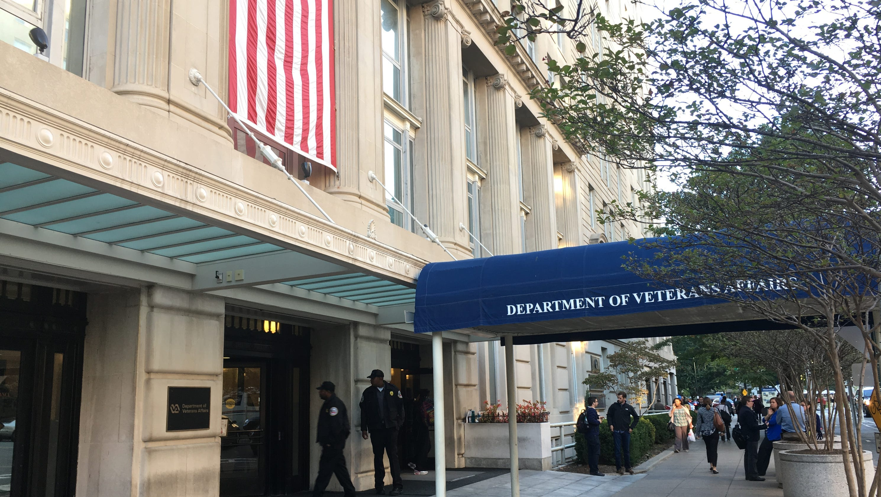 Troubled VA center's director gets new post while under ...