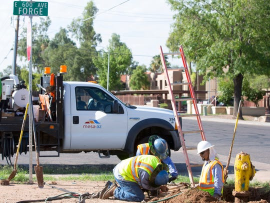 Mesa utility crews Forge Ave