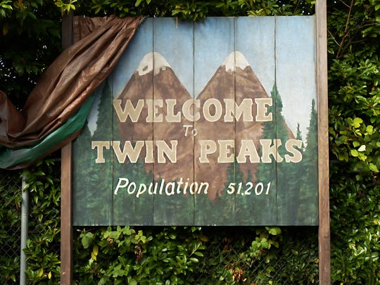 'Twin Peaks' is coming back to Showtime.