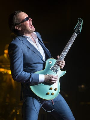"The blazing blues guitarist Joe Bonamassa honors Muddy Waters and Howlin' Wolf on his new  album ""Muddy Wolf at Red Rocks."""