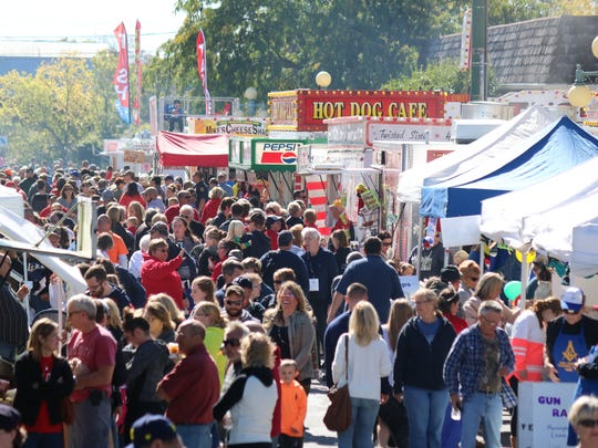 The Apple Festival is held each year in the heart of downtown Oak Harbor, filling West Water and Church streets with vendors, games, ridesandentertainment, drawing an estimated 25,000 visitors annually.