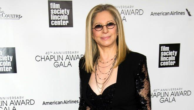 Singer Barbra Streisand is mourning her dog Samantha.