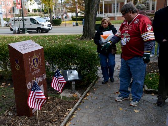 01 LAN Veterans Day