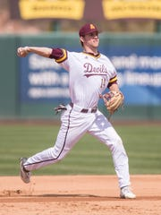 Gage Workman (14) of the Arizona State Sun Devils throws