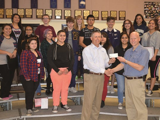 Optimists Donate to RHS Choir