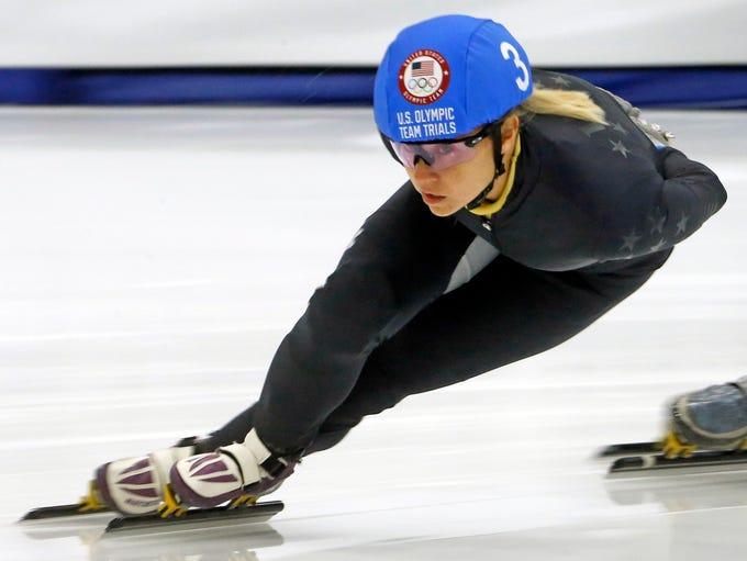 Jessica Kooreman (3) competes in the women's 1000-meter