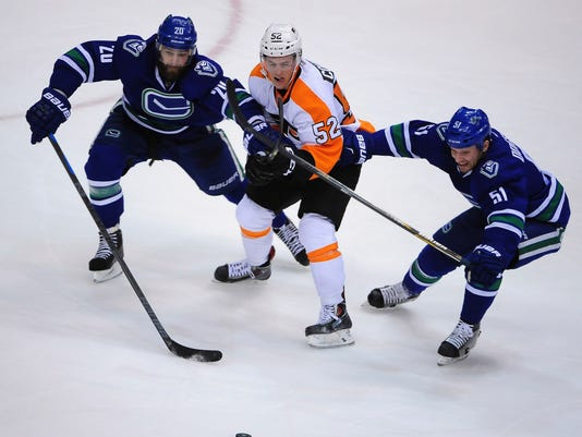 NHL: Philadelphia Flyers at Vancouver Canucks
