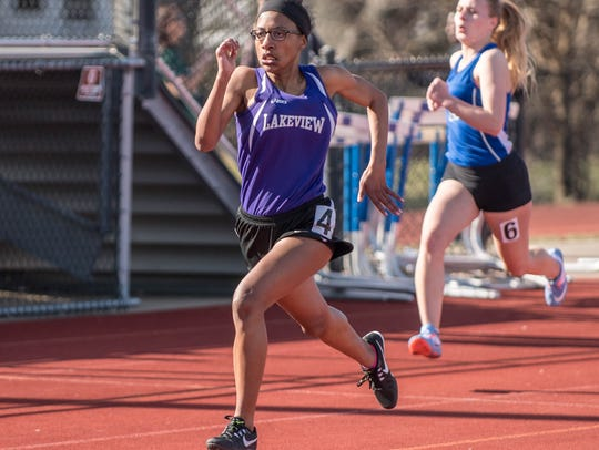 Lakeview's Alana Bell during her 200 meter run at the