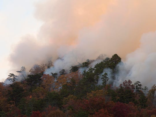A wildfire in Blount County on Nov. 17, 2016, near Walland Elementary School has burned more than 1,000 acres of land and could spread even more.