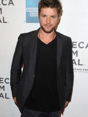 "ORG XMIT: NYPK105 Actor Ryan Phillippe attends the premiere of ""The Bang Bang Club"" during the 2011 Tribeca Film Festival on Thursday, April 21, 2011, in New York. (AP Photo/Peter Kramer)"