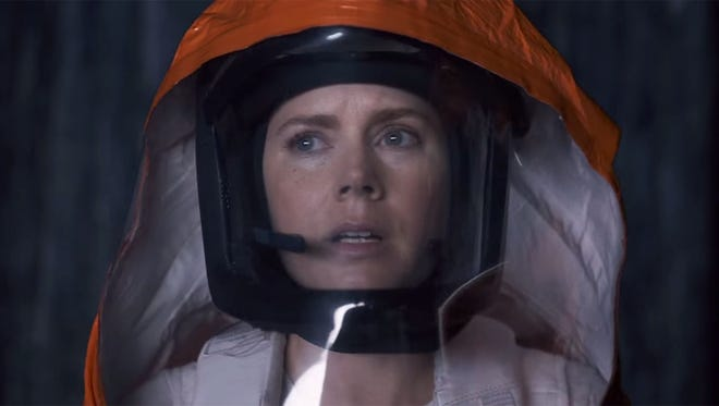 """Amy Adams suits up to meet some """"heptapods"""" in """"Arrival."""""""