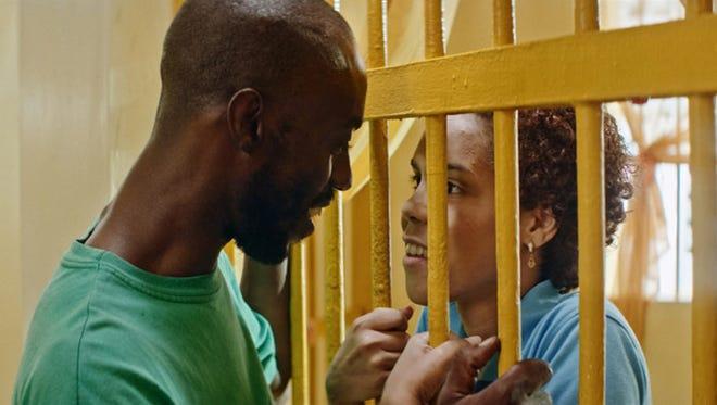 """Love conquers all, even prison bars, in """"Carpinteros."""""""