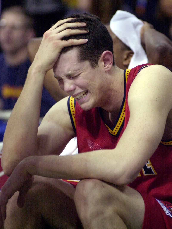 Iowa State's Paul Shirley breaks down in tears in the