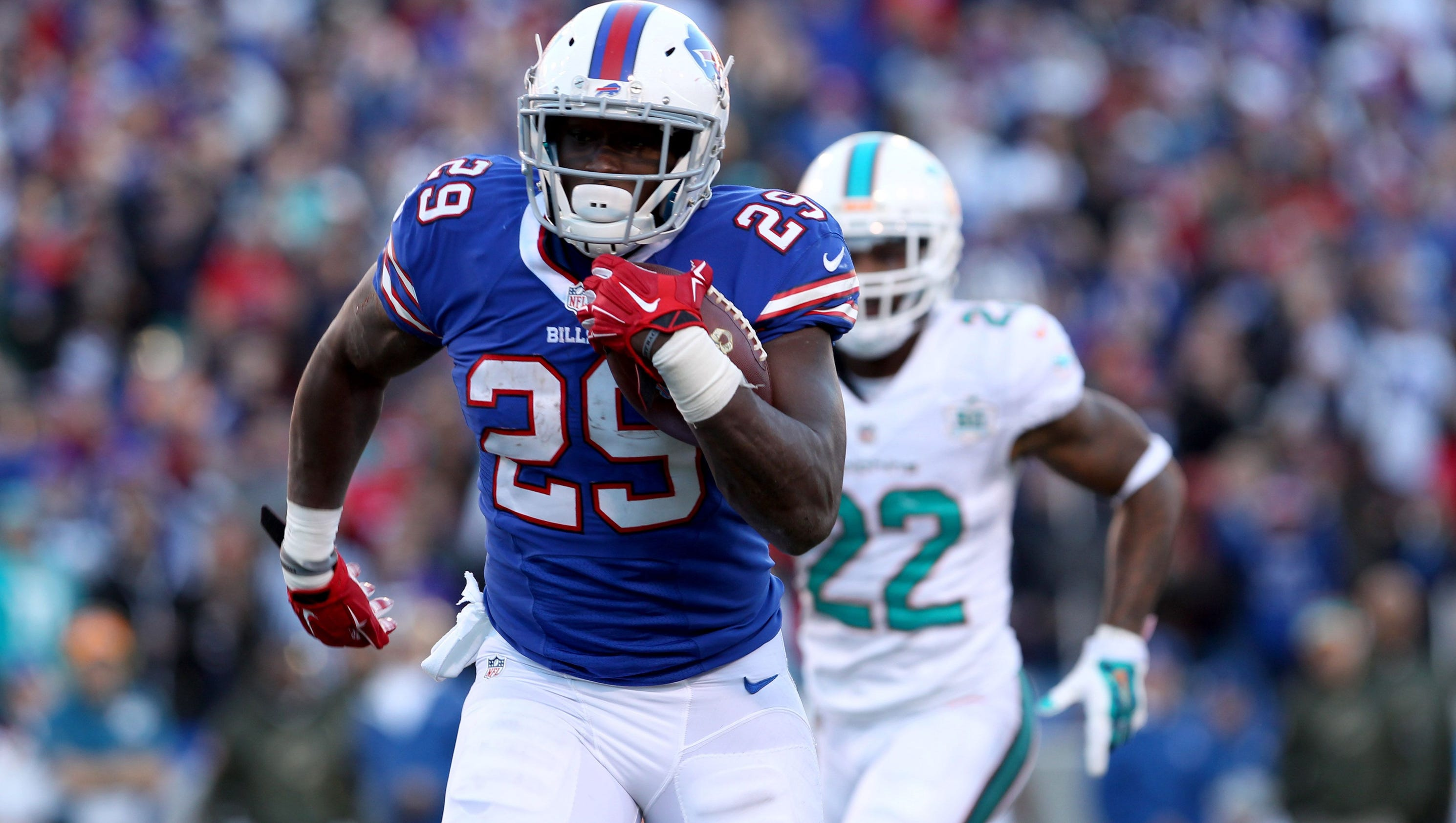 Report: Free agent RB Karlos Williams suspended at least one year