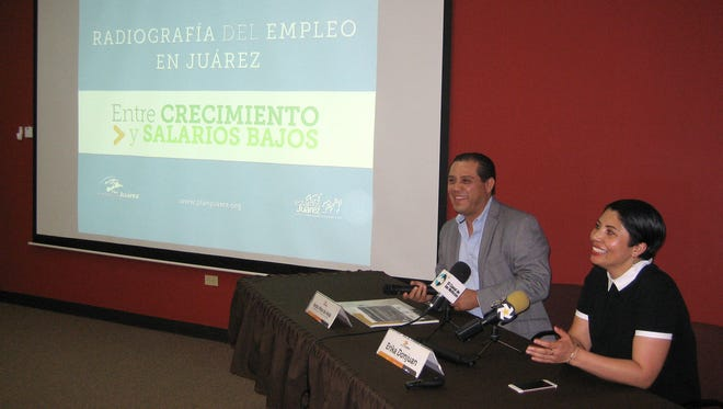 Experts discuss employment and salaries at a conference in Juárez.