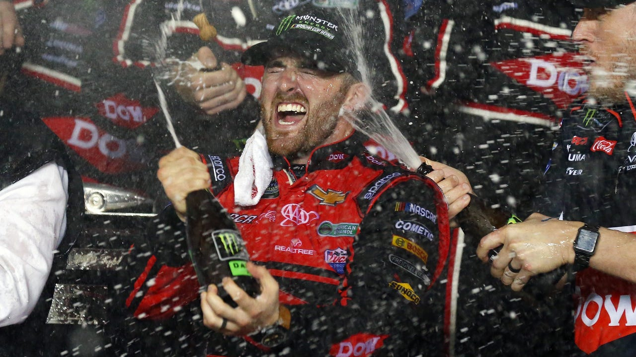 Austin Dillon nabs special win at Daytona 500