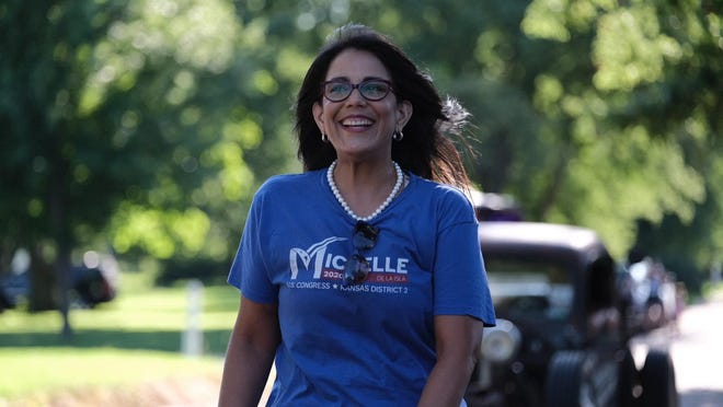 Topeka Mayor Michelle De La Isla is weeks away from capping off a campaign for Kansas' 2nd Congressional District seat while serving as mayor and mother to her children.