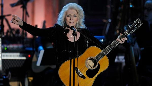 Judy Collins performs at the Rock and Roll Hall of Fame induction ceremony, Monday, March 14, 2011, in New York.  (AP Photo/Evan Agostini)