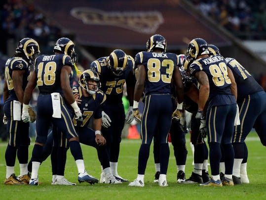 los angeles nfl team who plays in the nfl tonight
