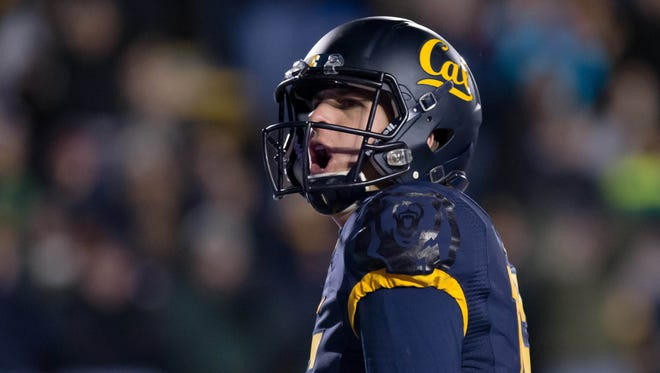 California Golden Bears quarterback Jared Goff (16) celebrates after a two point conversion against the Arizona State Sun Devils during the fourth quarter at Memorial Stadium.