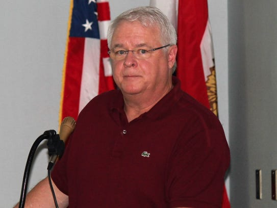 Bethany Beach Town Manager Cliff Graviet addresses