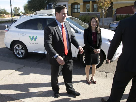 Gov. Doug Ducey and Jennifer Haroon, director of operations
