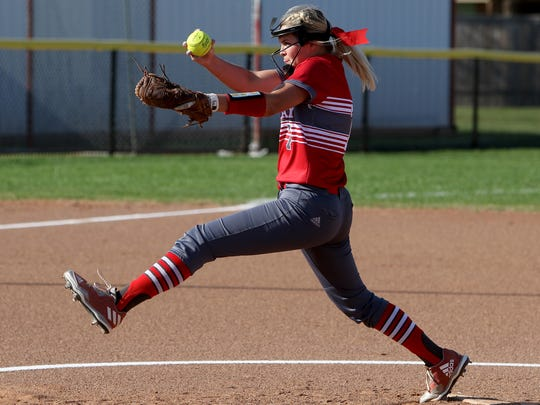 Holliday's Kelsee Trainham pitches against City View