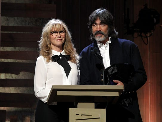 Husband/wife team Larry Campbell and Teresa Williams