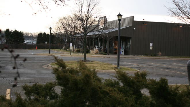 Kalamazoo's Cracker Barrel permanently closed over the weekend after efforts to find and eliminate the source of a Salmonella outbreak failed.