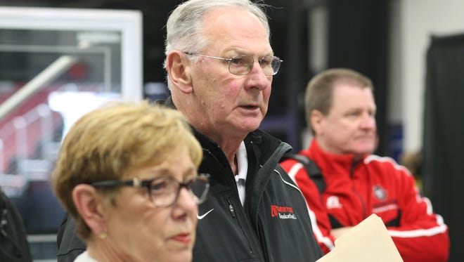 Austin Peay coach Dave Loos is recovering from cancer.