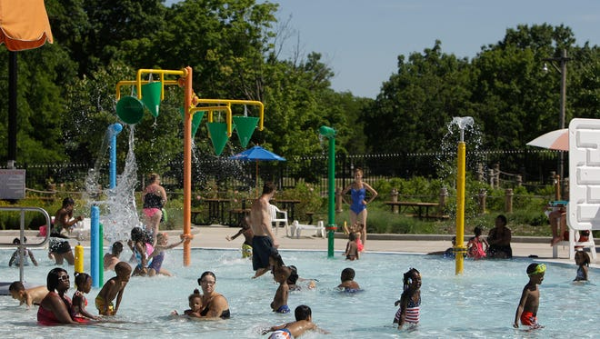 The Milwaukee County Board has voted to keep the Schulz Aquatic Center open in 2018.