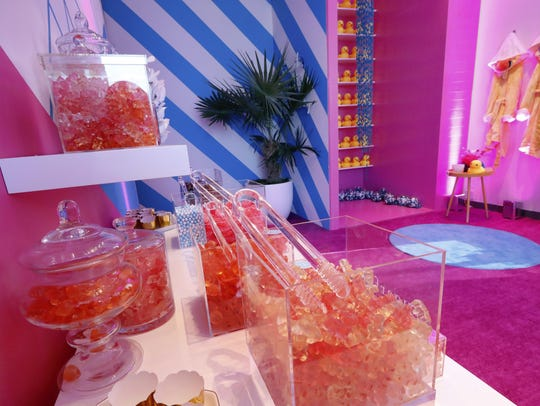 A display of Sugarfina is displayed during a preview
