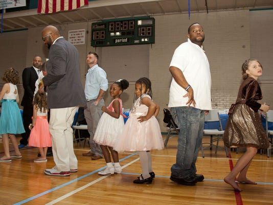 3-YDR-DJ-041616_Daddy_Daughter_dance_YMCA_04