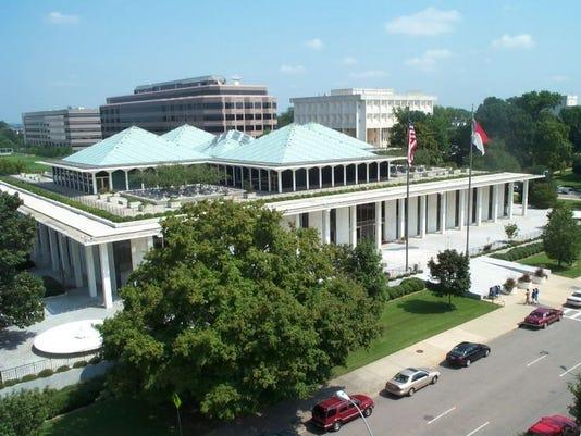 636283992221328555-legislative-building-1.jpg