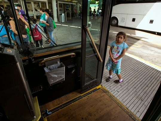 -Immigration Overload Photo Gallery.JPEG-0c77e.jpg_20140711.jpg