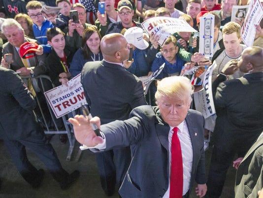 -71_TrumpKnight.jpg_20160427.jpg