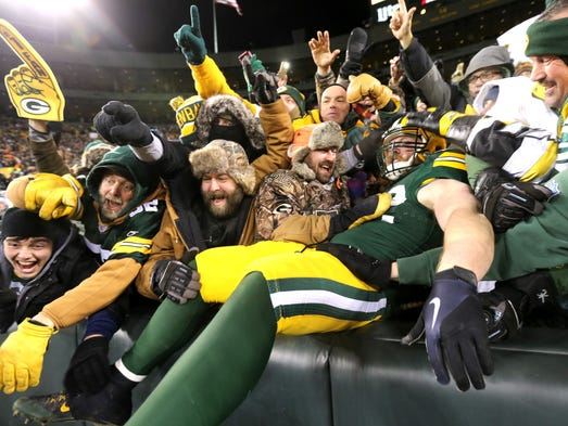 Green Bay Packers fullback Aaron Ripkowski (22) celebrates