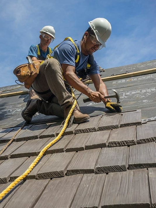 636308016289593464-Roofers.jpg