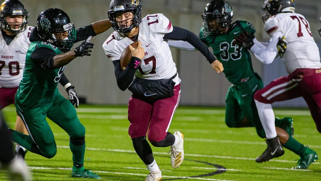 Rouse quarterback Sam Giebelhaus returns for a veteran Raiders' offense that drops down into Class 5A Division II after competing in Division I in each of the past two seasons.