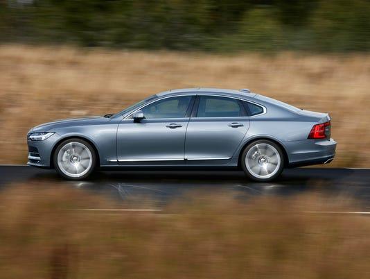 636142316138190805-2017-Volvo-S90-18.jpg
