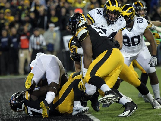636145850883701120-IOW-1112-Iowa-vs-Michigan-06.jpg