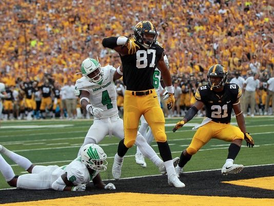 636492859152332098-170916-26-Iowa-vs-North-Texas-football-ds.jpg