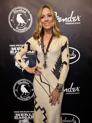 Sheryl Crow on the red carpet at the Merle Haggard