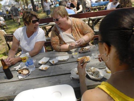 -ESN-MOSAIC-SeafoodFest-2.jpg_20120418.jpg