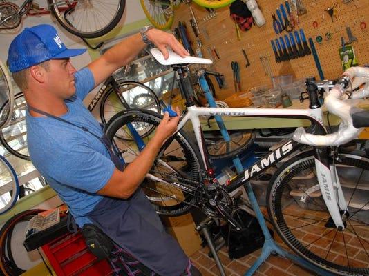 -GeorgeCole-bike.jpg_20110717.jpg