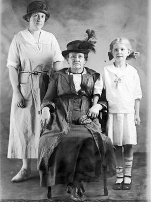 Leon Briggs' sister May Briggs Drake, mother Sarah Briggs, and niece Lilla Drake     (the author's grandmother, great-grandmother, and mother).