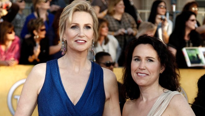 Jane Lynch and Lara Embry are divorcing, more than four years after they married in Massachusetts.